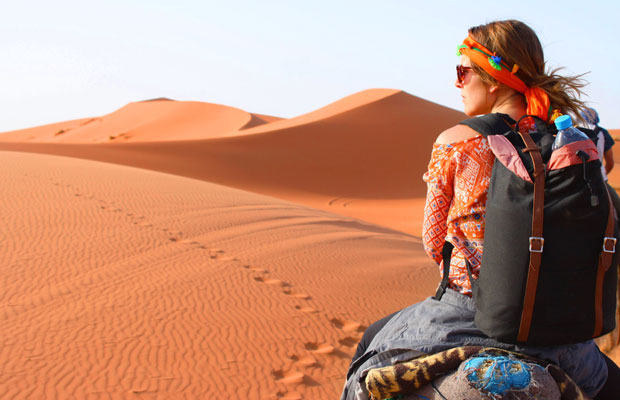 A very important tip if you wish to sleep in the sahara desert is to bringing a backpack