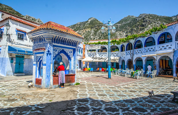 One of the essential things to see in Chaouen is to see how citizens make use of public fountains
