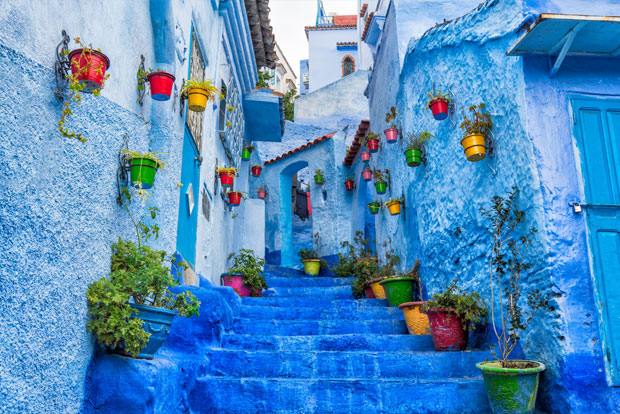 The most photographed place to visit in Chefchaouen is El Asri alley