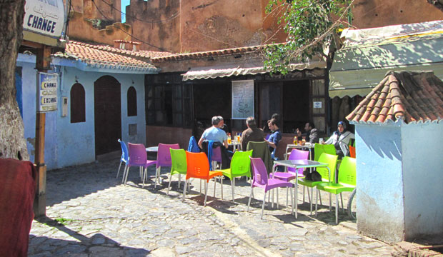 If you're looking where to have a tea in Chefchaouen, I recommend the Alkasaba Café