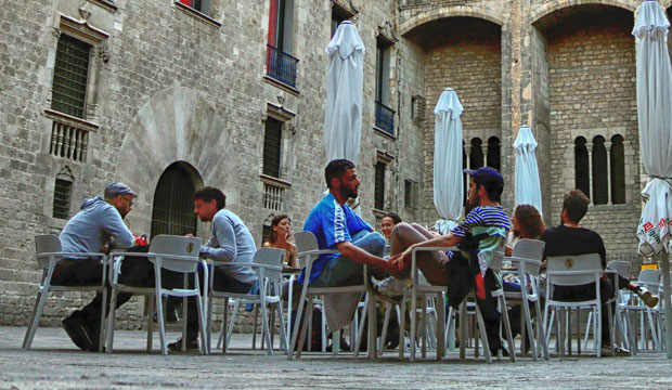 On a terrace in Spain the conversation runs differently than the cafe Hafa in Tangier